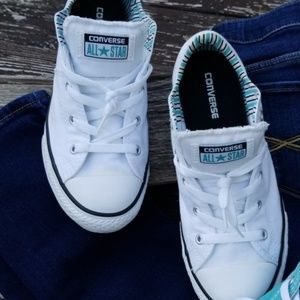 White Girls Converse padded tongue All Star sz 4